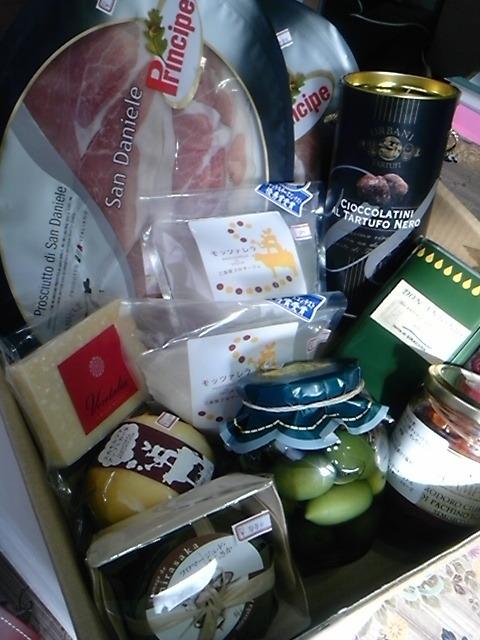 飲めるオリーブオイル『バランカ』とプレミアイタリア食材-110128_134823.jpg
